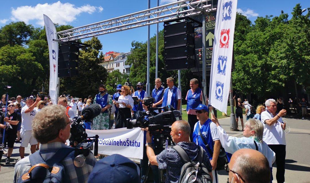 Slovensko: odbory protestují proti útokům na sociální stát, sociální dialog a práva odborů